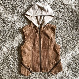 BKE Outerwear, Brown Faux Leather Hooded Vest, M
